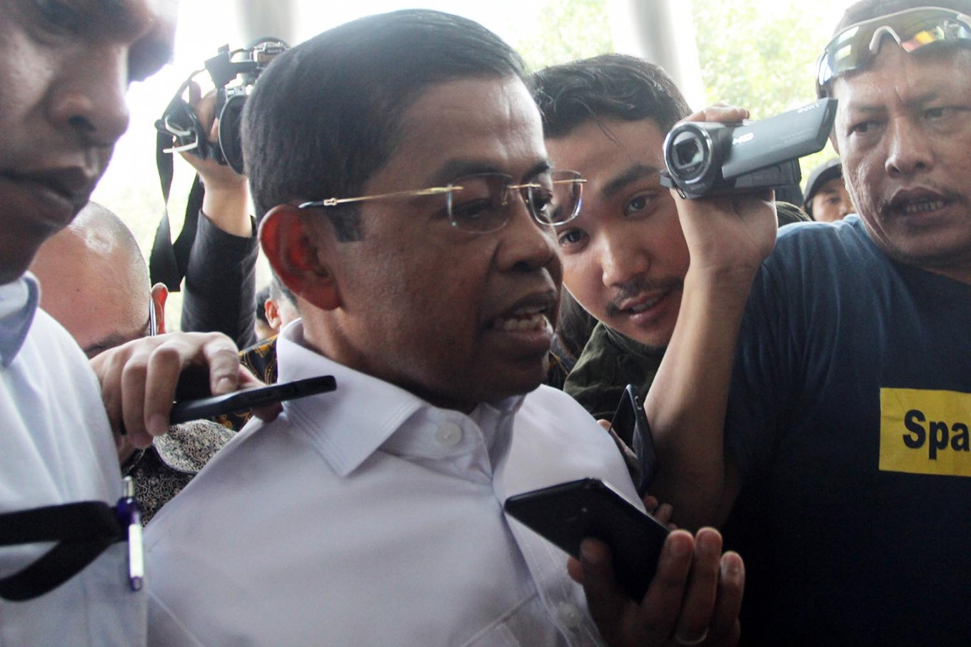 BREAKING: Social affairs minister resigns over graft charge