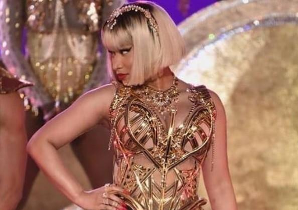 Nicki Minaj wears accessory designed by Rinaldy Yunardi at MTV awards