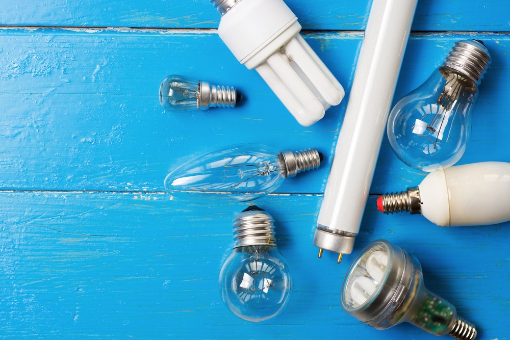 Europe set to ban use of halogen light bulbs from Sept. 1