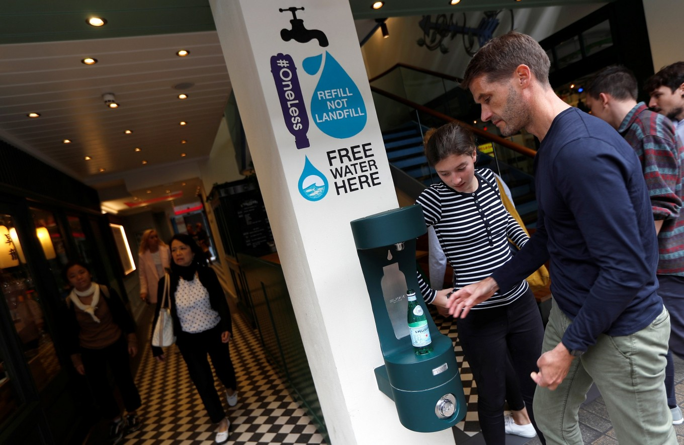 Londoners welcome re-introduction of public drinking-water fountains