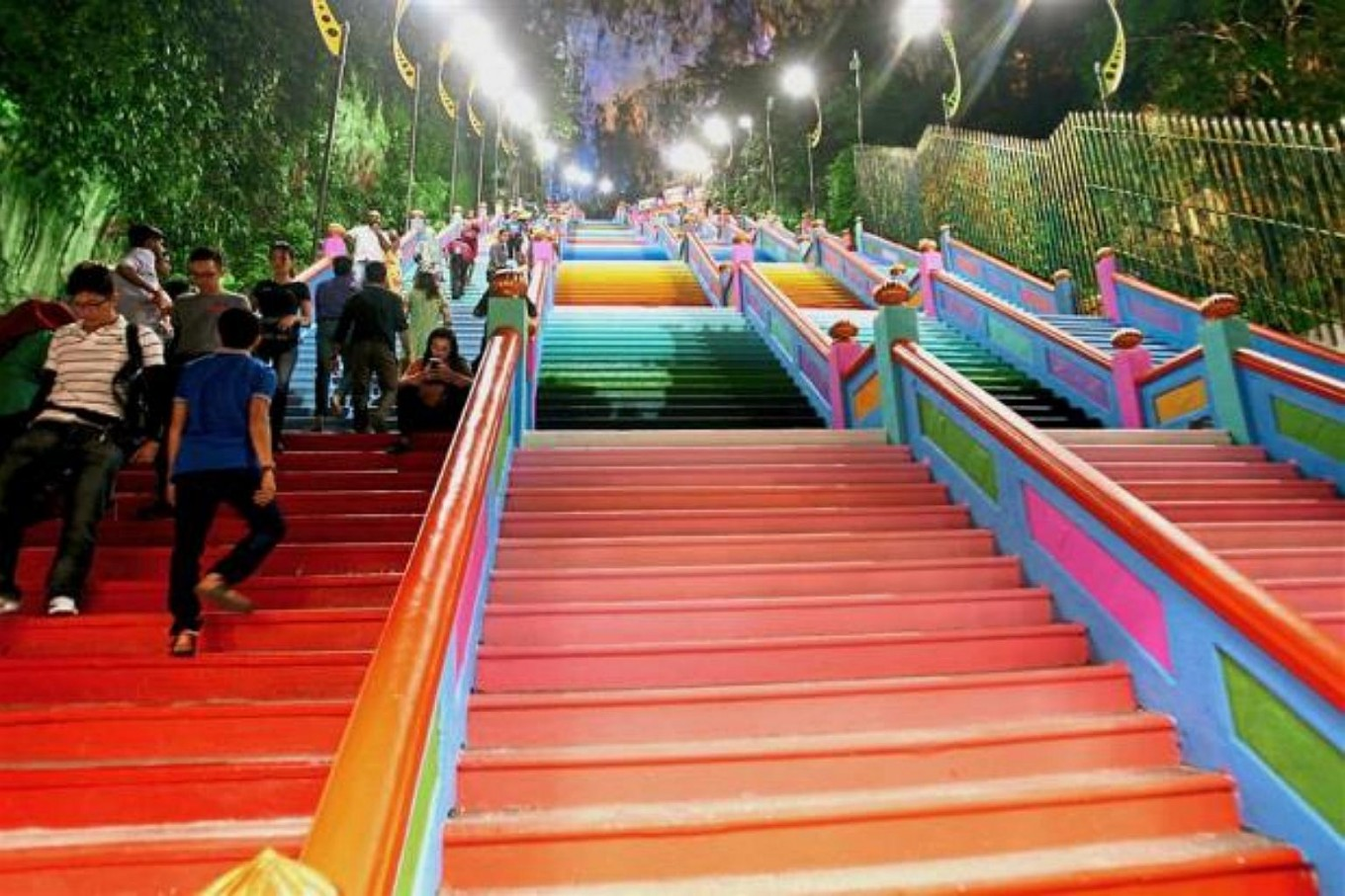 Colorful paint job on Malaysia's Batu Caves staircase may be illegal