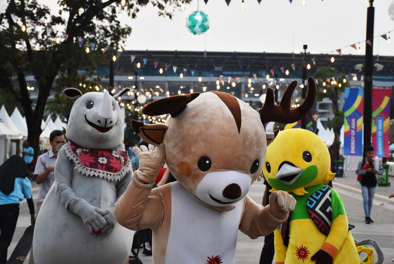 Asian Games: Fans go crazy over merchandise featuring Bhin Bhin, Atung, Kaka