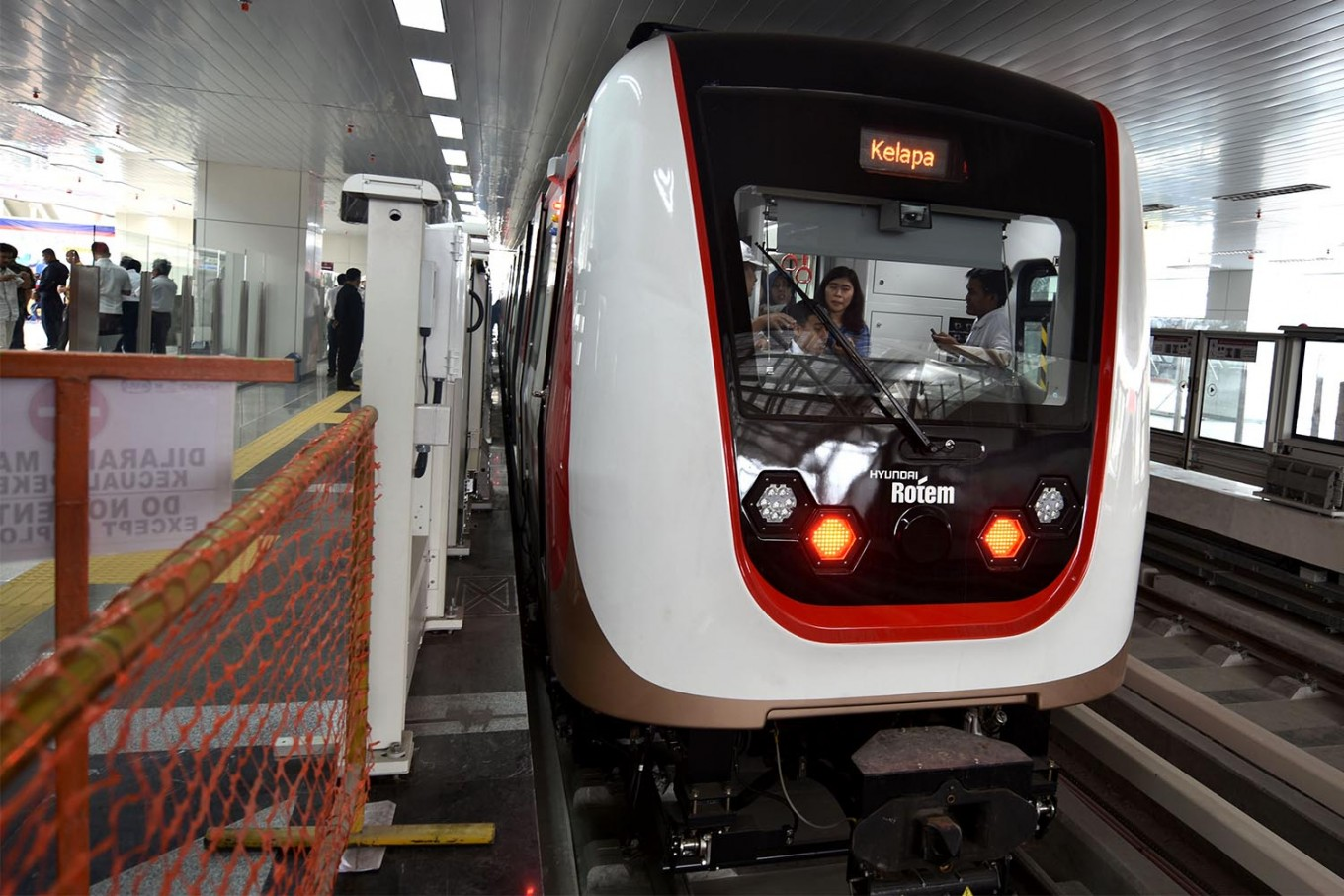 Jakarta's LRT to begin operating in April