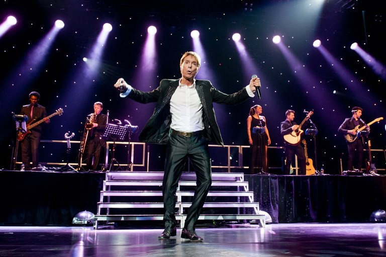 Cliff Richard releasing new album after privacy spat
