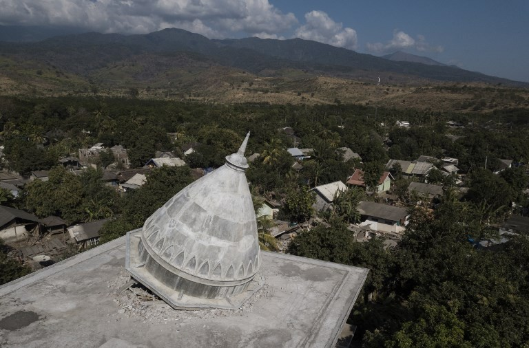 Quake debris cleanup in Lombok needs more excavators
