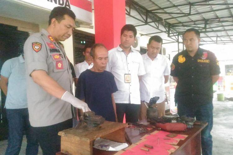 Pot repairman arrested for moonlighting as firearms maker