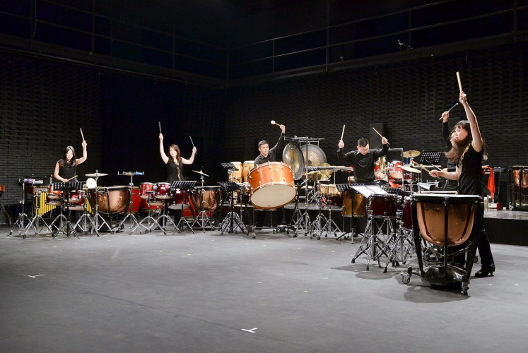 "Beat of the drums: Ju Percussion Group musicians beat the drums for the ""J Effect"" piece by Lu Huan-Wei, which is played without accompanying musical instruments.Beat of the drums: Ju Percussion Group musicians beat the drums for the ""J Effect"" piece by Lu Huan-Wei, which is played without accompanying musical instruments."