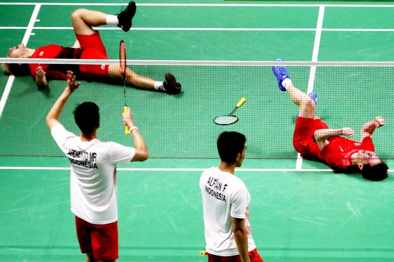 Asian Games: Indonesian medalists auction off memorabilia