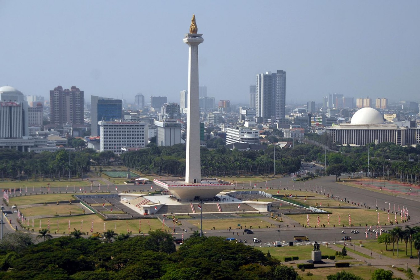 Several Jakarta roads closed as Islamic groups plan gathering