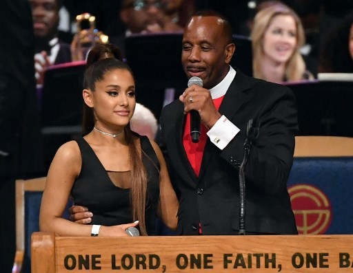Aretha Franklin funeral bishop apologizes for 'groping' Grande