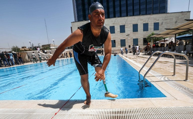 Iraqi amputees take the plunge to forget horrors of IS