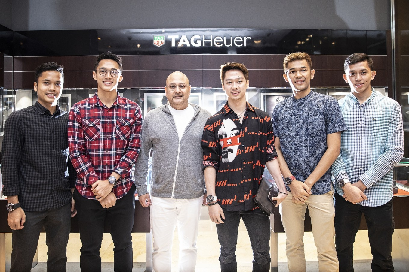 Asian Games: Indonesia men's badminton medalists receive TAG Heuer watches