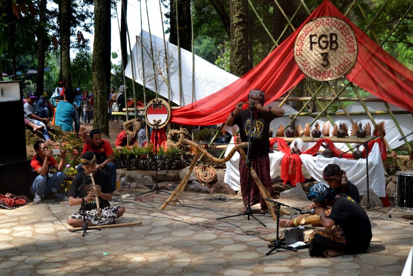 The Earth Gravity Festival also features a contemporary bamboo music performance.