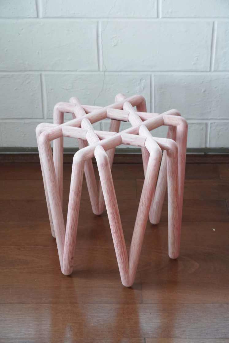 Loop stool by alvinT