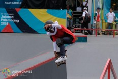 Indonesia's Bunga Nyimas competes during the women's skateboard street event during the 2018 Asian Games in Palembang on August. 29. JP/ Jerry Adiguna