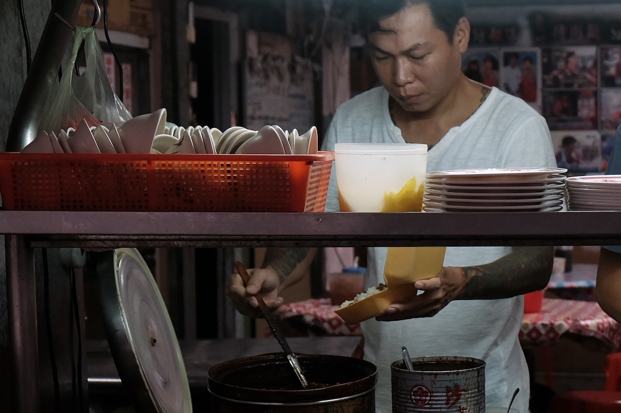 Going straight: Taiwan ex-gangster turns noodle chef