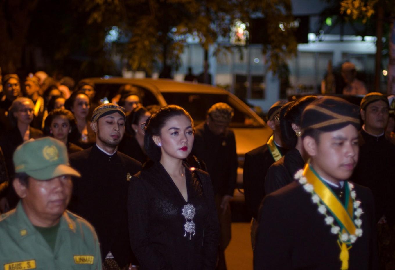 The royal family and household of Mangkunegaran Palace take part in 'tapa bisu' (walking barefoot in silence).