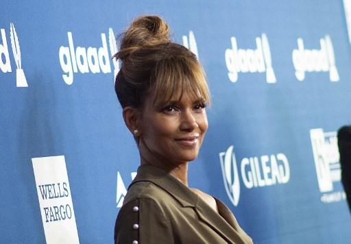 Halle Berry to direct and star in 'Bruised'