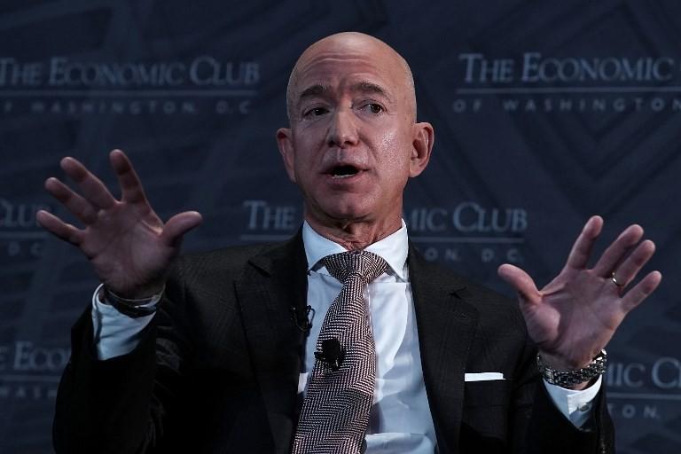 Bezos calls Trumps attacks on media 'dangerous'