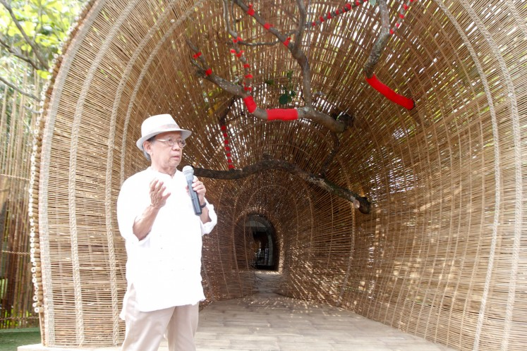 Artist Sunaryo, 76, in front of his work, titled 'Lawangkala' in Selasar Sunaryo Art Space, Bandung, on Sept. 15.