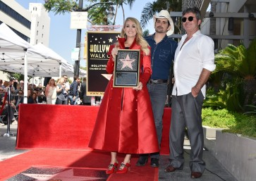 Singer Carrie Underwood gets star on Hollywood Walk of Fame
