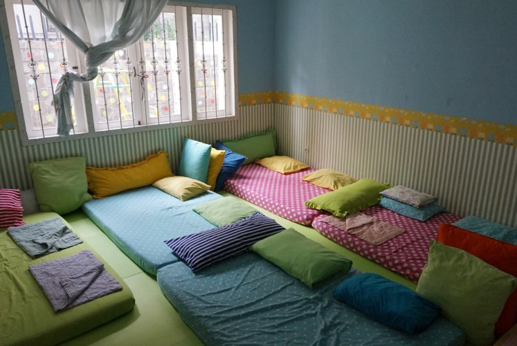 Toddler bedroom at LittleBee Montessori School and Daycare.