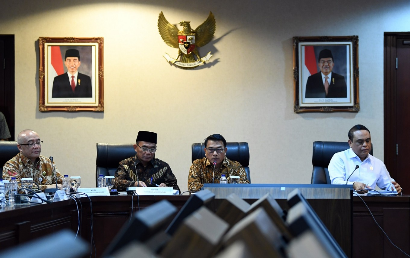 Indonesian diaspora can work as government workers, new rule says