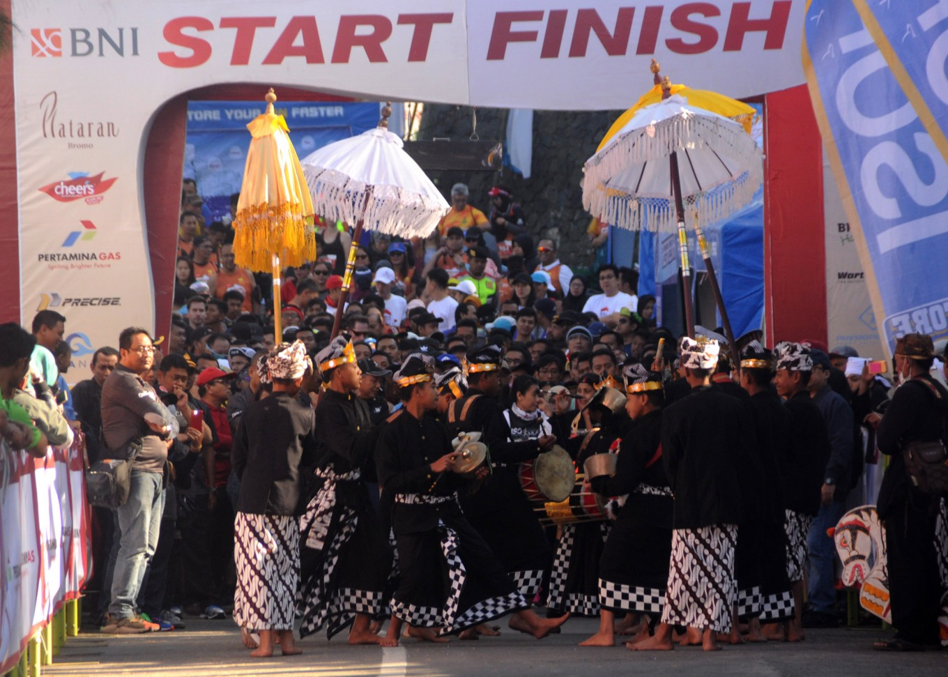 Annual Bromo Marathon enlivened with festival, jeep competition