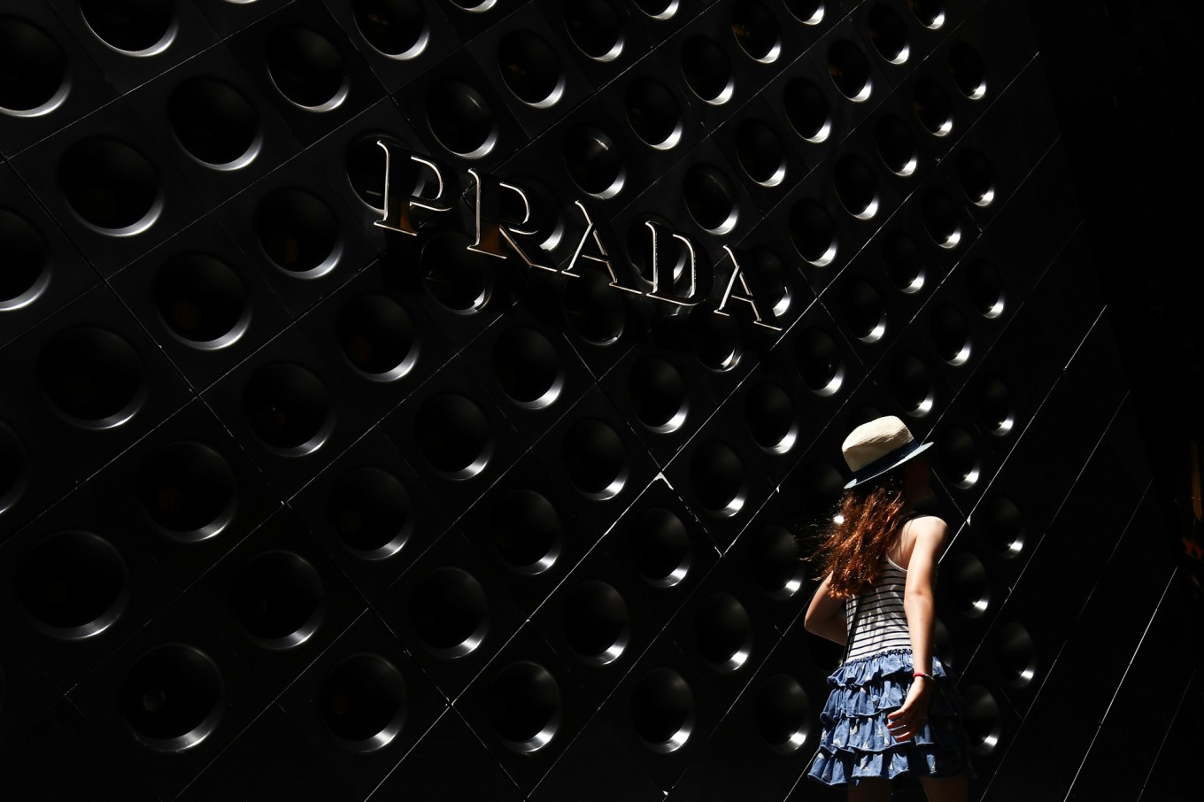 Prada fashion house to shed fur