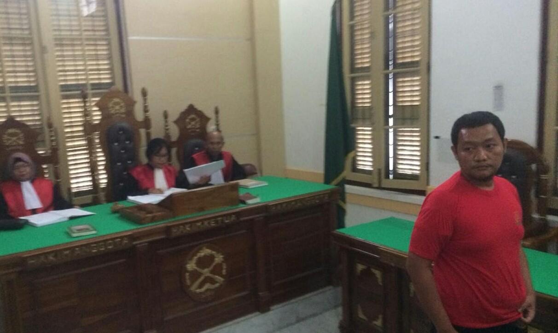 Medan police officer imprisoned for shredding Quran
