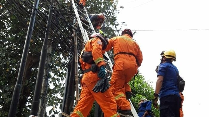 Utility worker dies after being electrocuted in South Jakarta