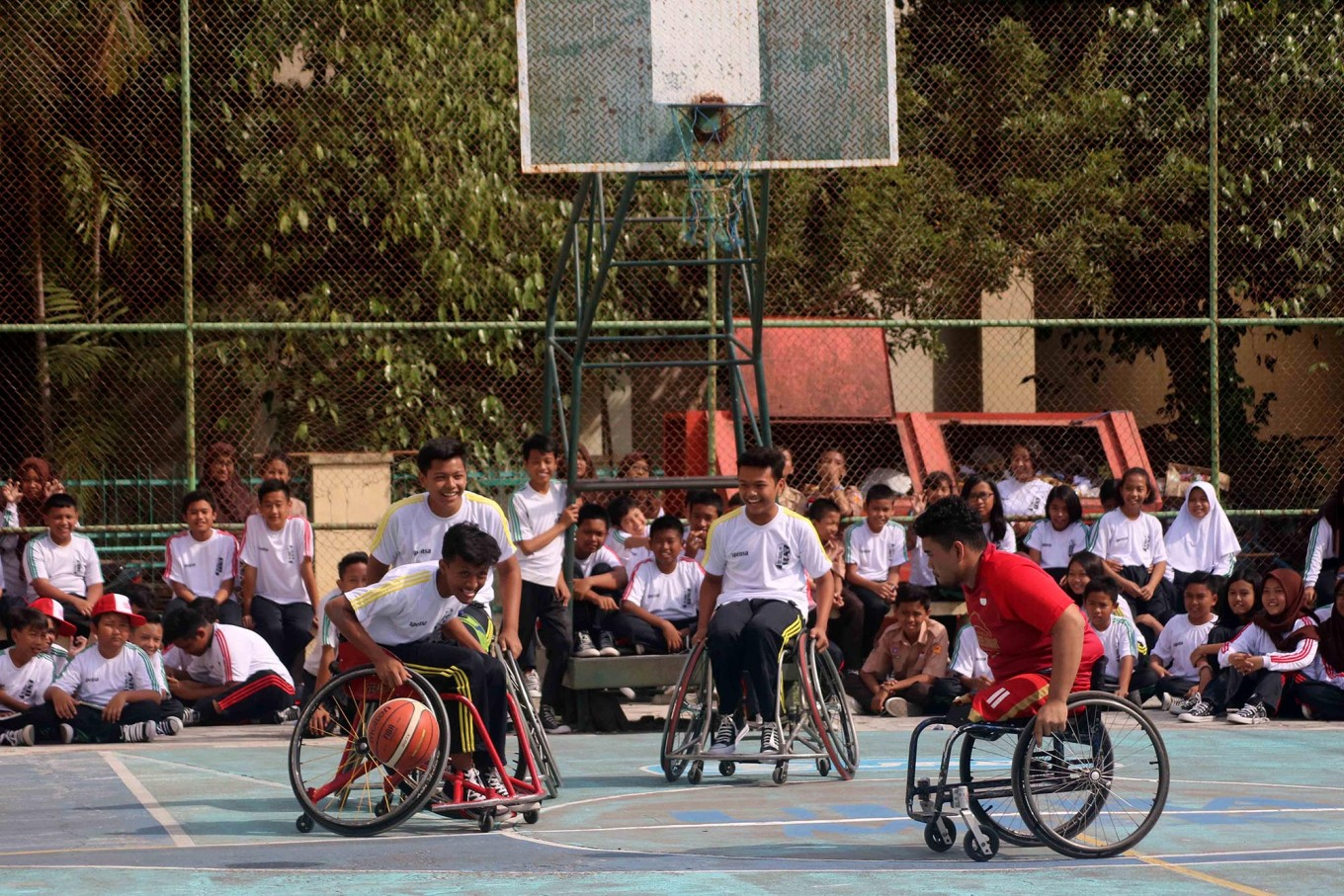 Athletes have a fun session with high school students in Surakarta, Central Java. JP/Maksum Nur Fauzan