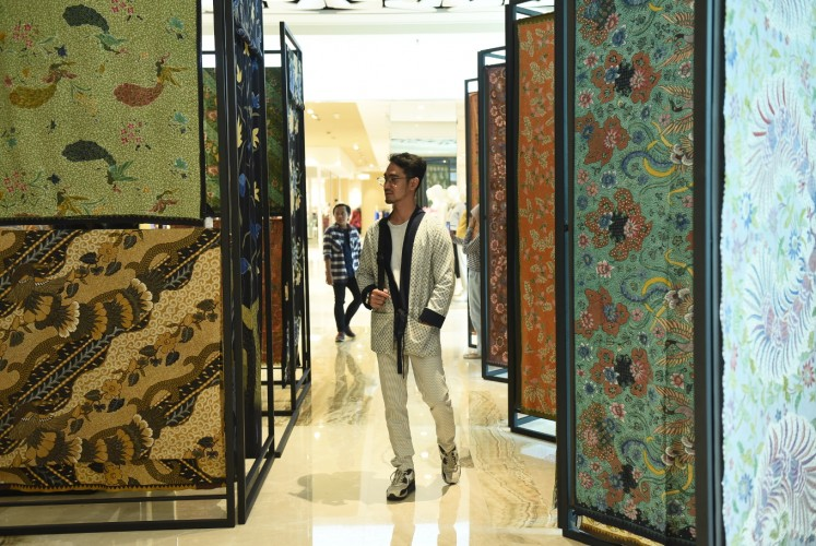 A batik exhibition at Lobby Shinta in Grand Indonesia's East Mall.