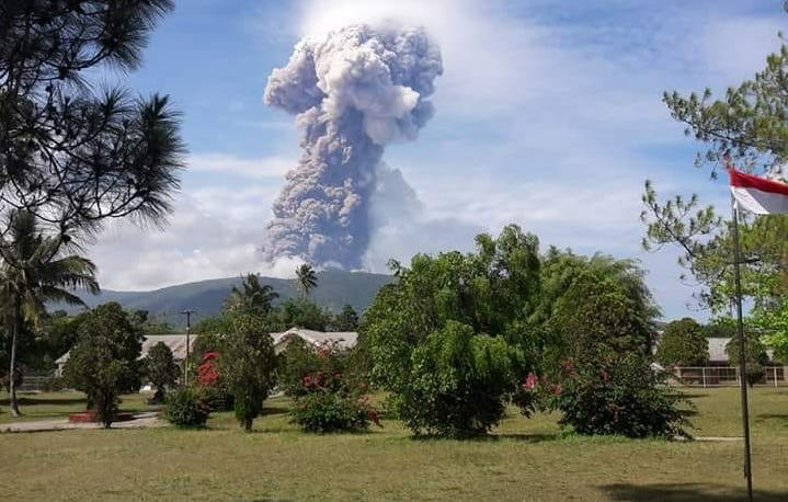Residents warned to steer clear as Mt. Soputan continues to erupt