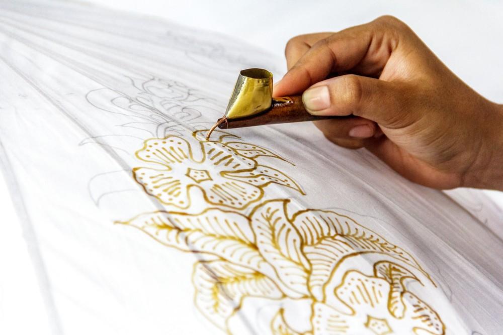 Village In Yogyakarta Uses Cybertech To Create Promote Batik Art