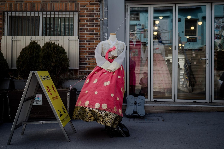 A store rents out hanbok (traditional Korean costume). JP/Anggara Mahendra