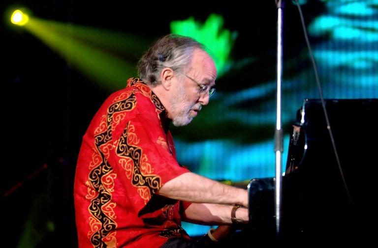 Pianist Bob James to perform at UGM Jazz 2018