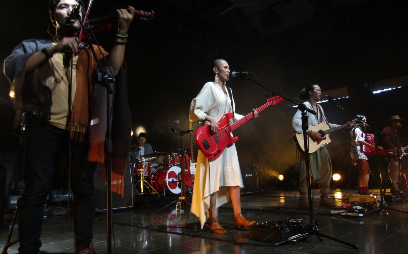 Yogya-based rock band belts out about sensitive issues, social injustice