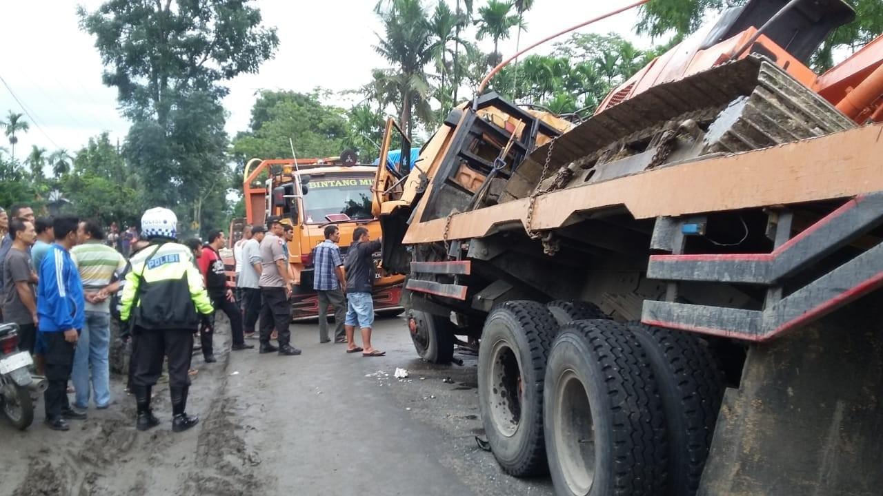 Three killed in collision on Sumatra intercity highway