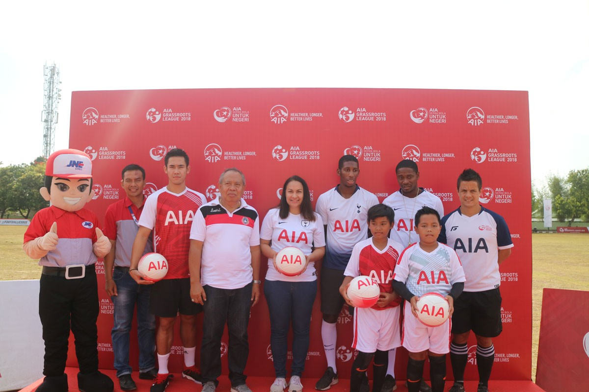 AIA brings Tottenham Hotspur coaches to Bali as part of nationwide soccer campaign