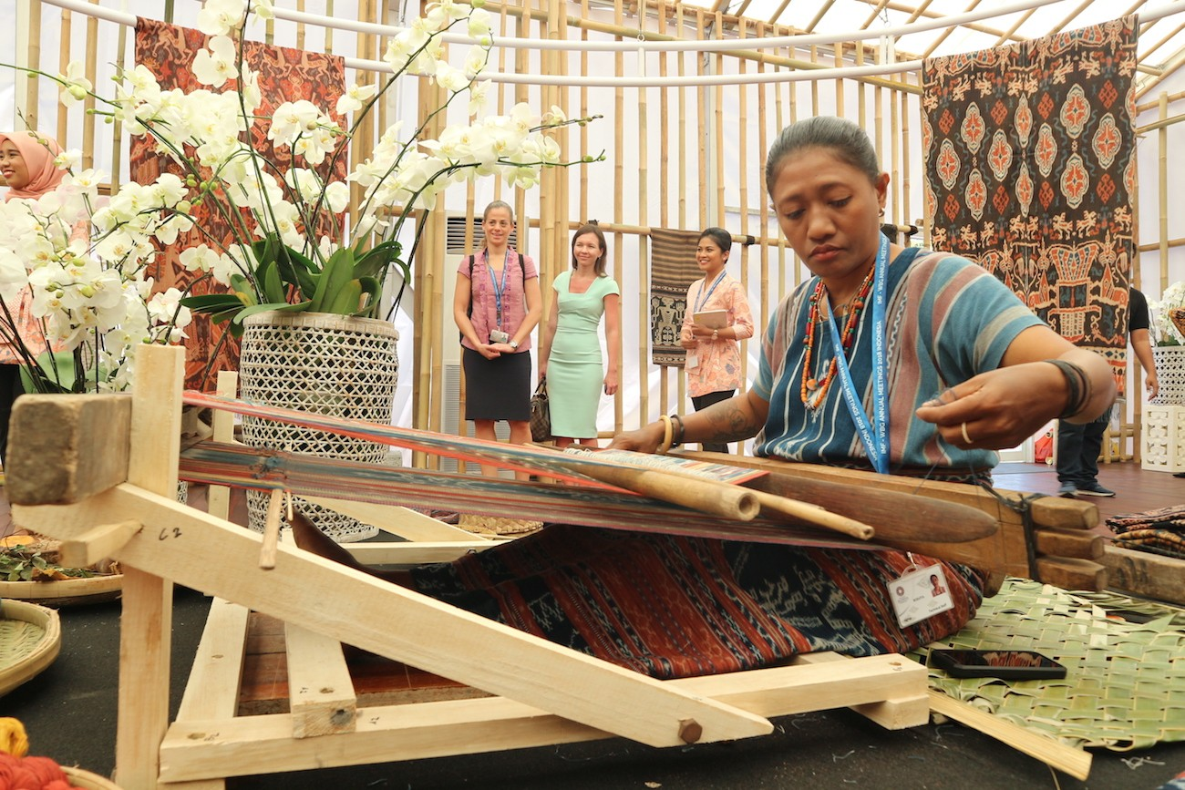 Maumere woven textiles huge draw at Indonesian Pavilion