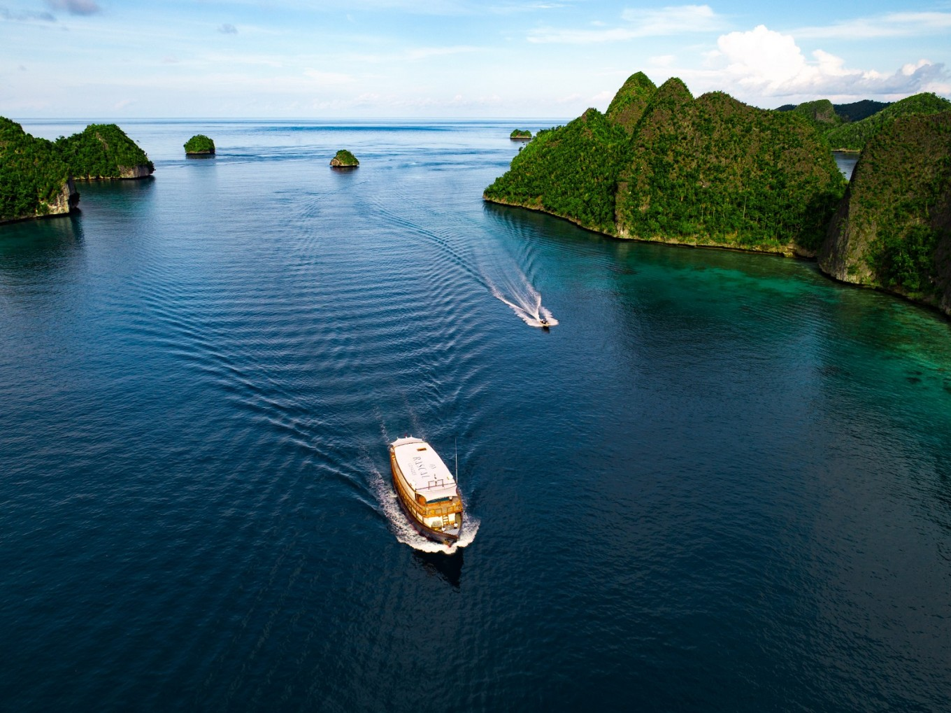 Rascal Voyages, CI Indonesia announce new luxury cruise-style exploration series