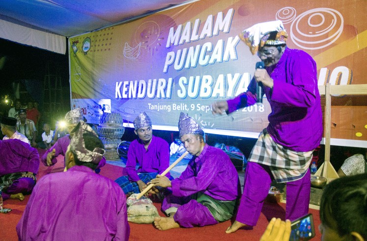 Sing along: Locals living in Bukit Rimbang Bukit Baling Wildlife Sanctuary engage in various activities such as art performances initiated by the Integrated Tiger Habitat Conservation Program (ITHCP/IMBAU) consortium.
