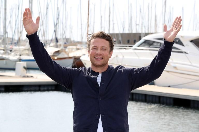 Chef Jamie Oliver slams TV bosses over junk food ads