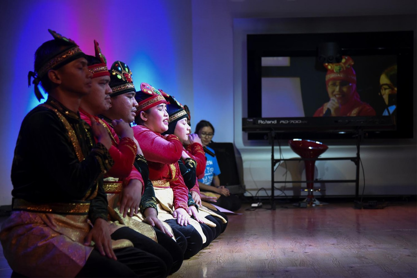 Pelita Monas Foundation members – who are mostly visually impaired – perform an Acehnese Saman dance. JP/Rosa Panggabean