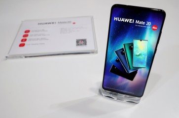 Comparing the Huawei Mate 20 Pro to Apple, Samsung flagships