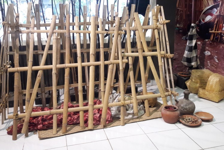 Indonesia Rituals Weddings And Funerals: Surabaya Museum Of Death Highlights Indonesian Funeral