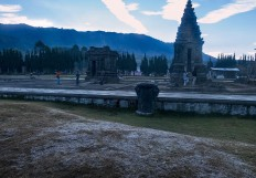 A Thin layer of ice is still visible at the Dieng temple complex. JP/Tarko Sudiarno