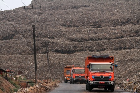 Inadequate landfills worsen Indonesia's waste problems