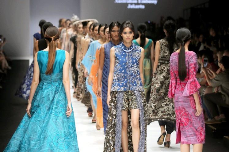Models present creations from Australian aboriginal art centers and Novita Yunus at Jakarta Fashion Week 2019 in Senayan City, Jakarta, on Saturday.